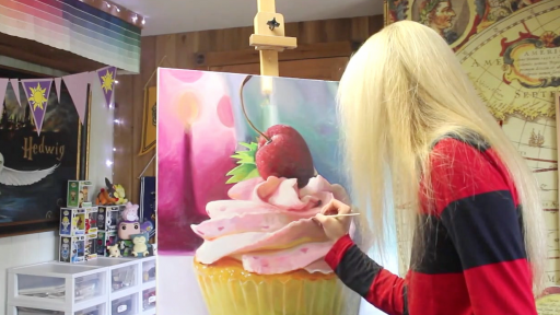 A Realistic Cupcake Painting That's So Good You'll Probably Want to Eat It
