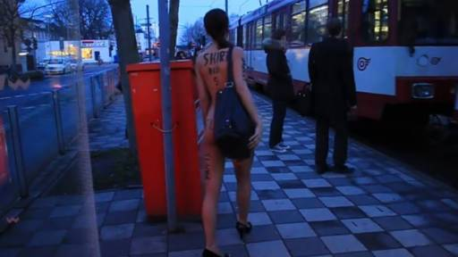Stunning Model Shocks German Commuters