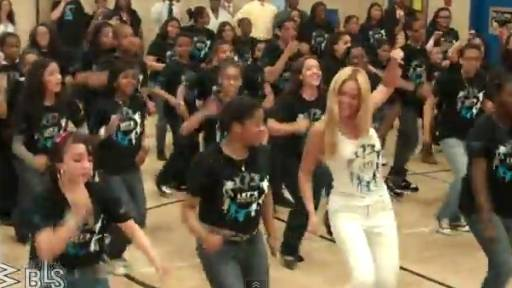 Daily Comeback: Beyonce Surprises Dancers