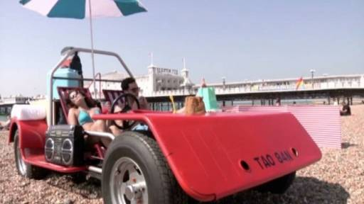 'Ultimate Deck Chair' Allows for a Mobile Trip to the Beach