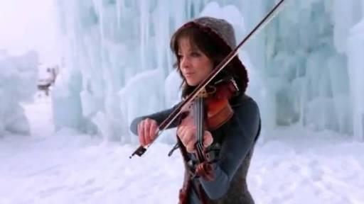 Dubstep Violinist Lindsey Stirling Plays in Ice Castle