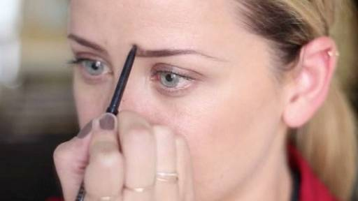 Lo Bosworth on How to Make Your Eyebrows Bold and Beautiful