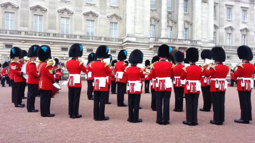 Queen's Guards Surprise Crowd With 'Game of Thrones' Cover