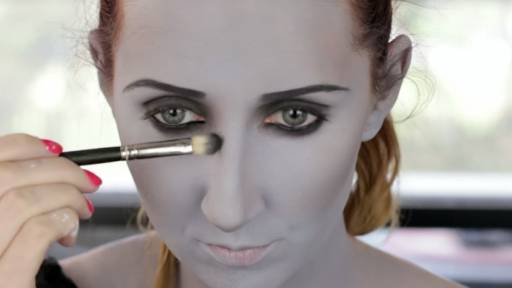 Makeup Tutorial Will Have You Going 'Grayscale' For Halloween