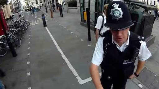 Cyclist Has a Funny Encounter with London Police