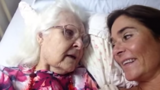 Touching Moment as Mother With Alzheimer's Recognizes Her Daughter