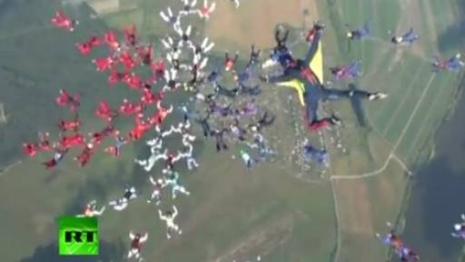 88 Women Set Skydiving World Record