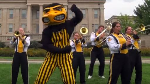 Big10 Mascots 'Shake it Off' in Taylor Swift Parody