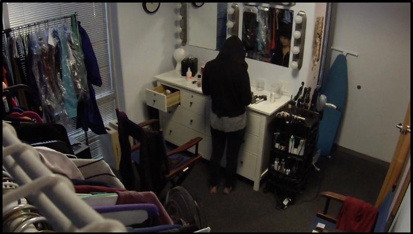 crime-makeup-prank-clever-funny-inside-rtm-video.jpg