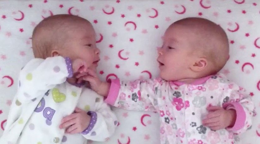 identical twin newborn babies - photo #14