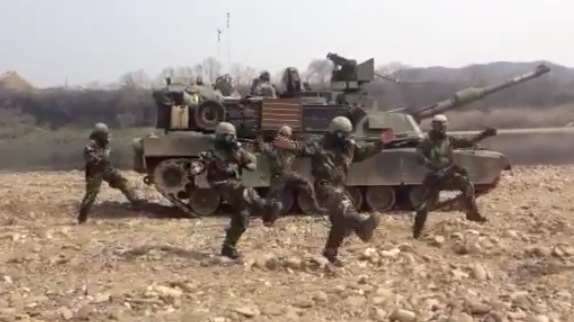 korean-border-shake-matt-hart-manchu-combat-ready-dancing-troops-soldiers-video.jpg