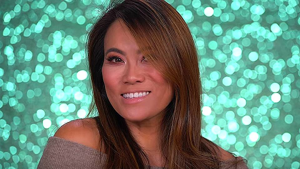 Dr  Pimple Popper Goes Glam With New Makeup Look | RTM - RightThisMinute
