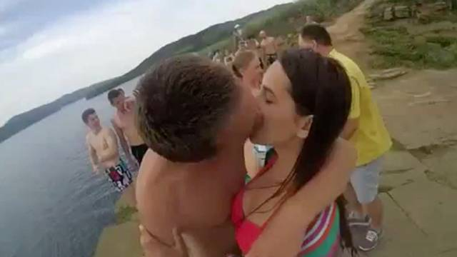 how to go in for first kiss