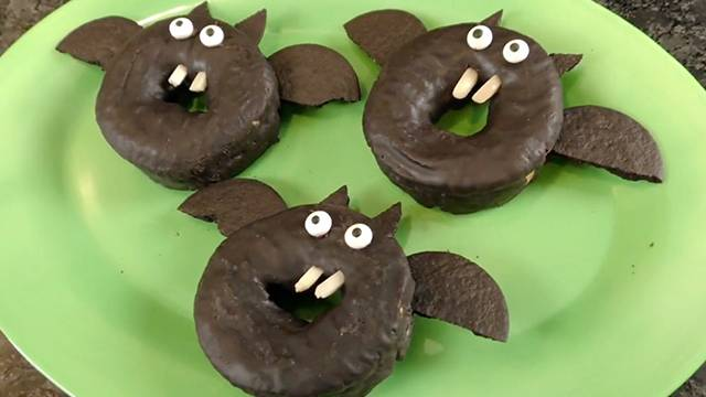 You'll Go Batty Over These Last Minute Halloween Treats
