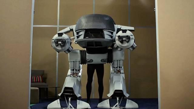Youtubers Diy Stunning Robocop Costume Rtm Rightthisminute