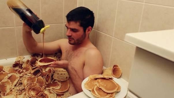 daily-huh-pancakes-maple-syrup-bathtub-b