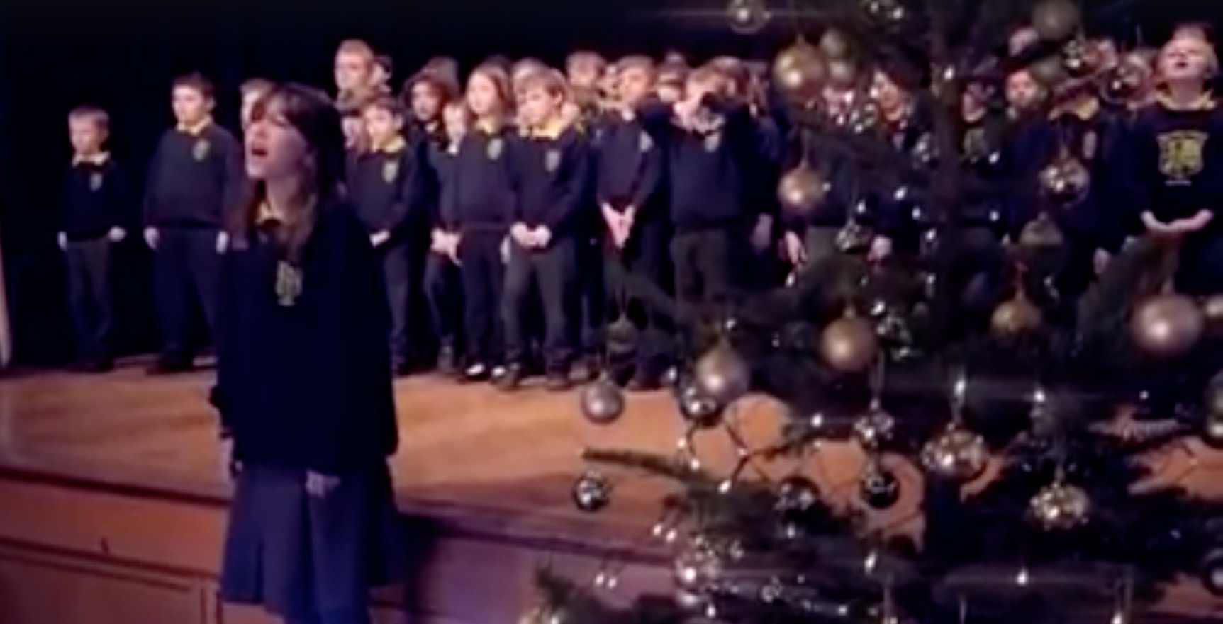 10-Year-Old Irish Girl With Autism Sings \'Hallelujah\' | RTM ...
