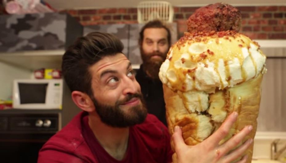 Nanuk vs. kopčeková zmrzlina Video-epic-meal-time-meat-ice-cream-cone