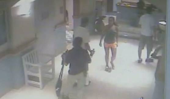 Man Walks Into Women S Bathroom And Gets Attacked Rtm